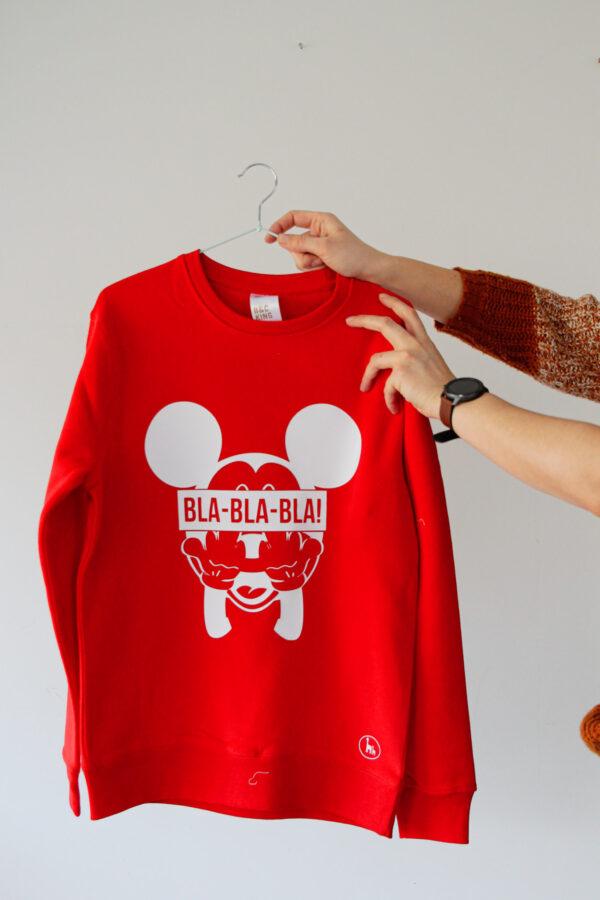 Black GIraffe punane hoodie 2
